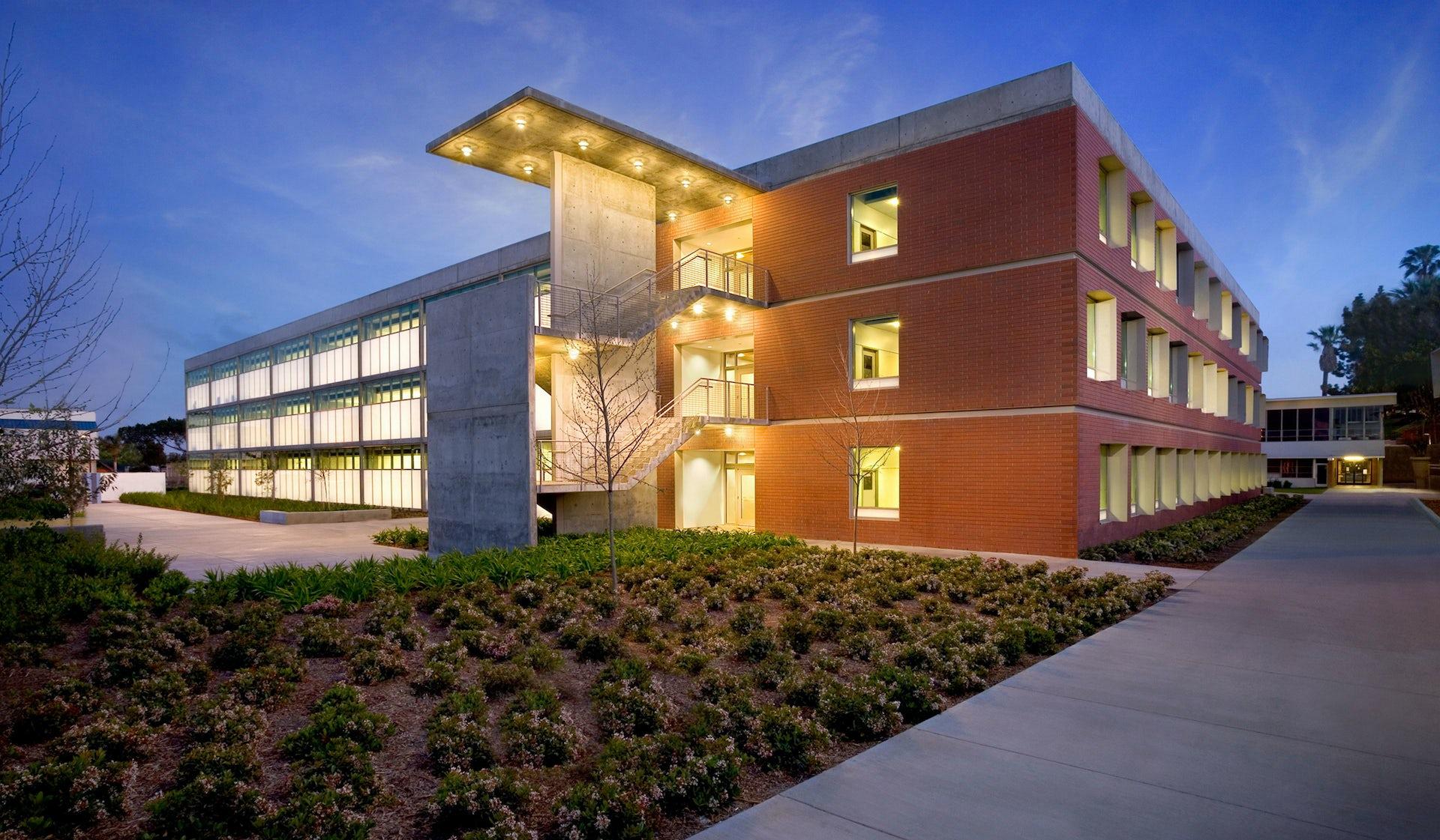 El Camino College >> El Camino College Humanities Building Lpa Inc